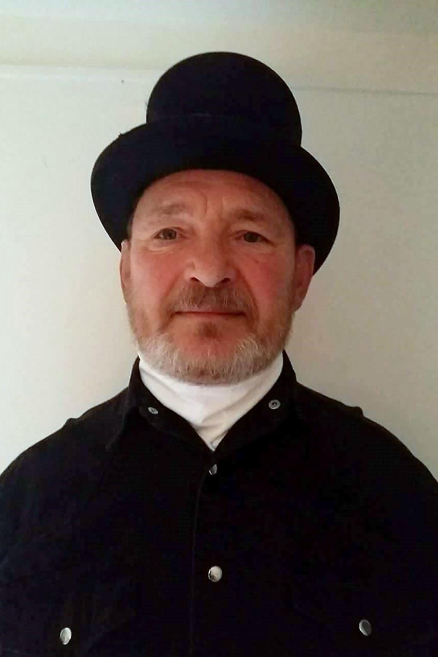 Sümeg László kéményseprőmester portréja díszegyenruhában