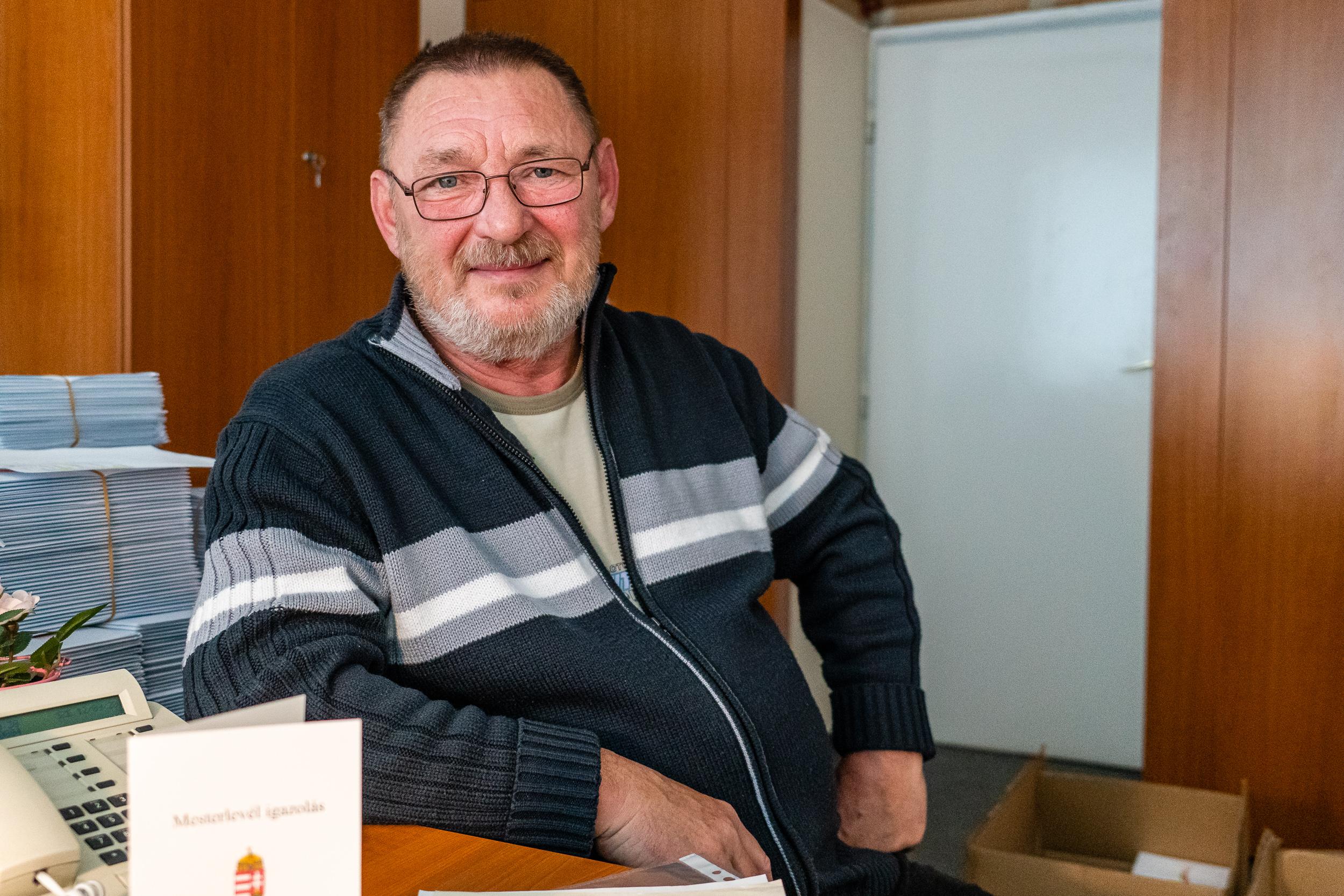 Sümeg László kéményseprőmester portréja
